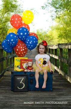 Cute idea on a bridge. Easy to do with balloons, bench and a painted number/chalkboard. Second Birthday Ideas, Third Birthday, Birthday Pictures, Birthday Fun, Birthday Party Themes, Curious George Party, Curious George Birthday, Curios George, Monkey Birthday Parties