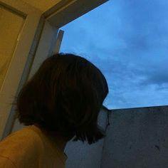 35 ideas for short hair ulzzang aesthetic faceless Aesthetic Photo, Aesthetic Girl, Girl Short Hair, Short Girls, Scene Hair, Ulzzang Short Hair, Tumbrl Girls, Faye Valentine, Blue Sargent