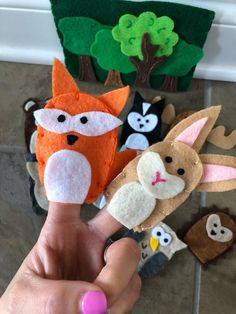 Animal Finger Puppets - Felt Woodland Animals - Travel Activities for Kids - Best Toys for 3 Year Olds - Gifts for 4 Year Olds Infant Activities, Preschool Activities, Travel Activities, Forest Animals, Woodland Animals, Finger Puppets, Felt Diy, Diy Toys, Embroidery Thread