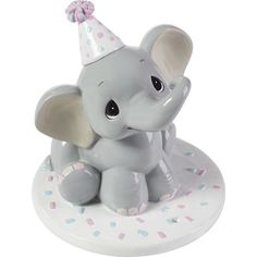 Baby boy or a baby girl? This sweet elephant cake topper/figurine is a wonderful way to share the exciting news at a gender reveal party, and it makes a wonderful keepsake gift that will keep the memories of this special time close for years to come. Elephant Cake Toppers, Elephant Baby Shower Cake, Elephant Cakes, Elephant Theme, Baby Elephant, Clay Projects, Clay Crafts, Elephant Toothpaste Experiment, Fondant Cake Toppers