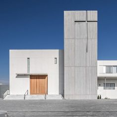 the monastery of santa catalina de siena by hernández arquitectos is characterized by its minimal palette of concrete straight lines and described by the architects as 'pure simple and timeless'. #architecture @hdez_arquitectos image by german_cabo by designboom