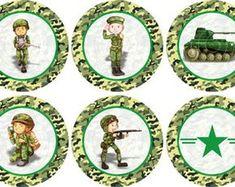 exercito-camuflagem-15-adesivos-rotulo-exercito-camuflagem-adesivos-para-latinhas-com-5cm Army Themed Birthday, Army Birthday Parties, Army's Birthday, Military Party, Army Party, Army Basic Training, Farewell Parties, Green Man, Party Themes