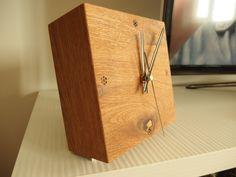 Dizajnový drevený hodiny