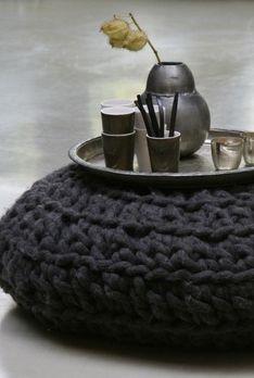 knit.pouf.