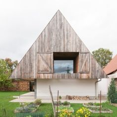 """GENS+""""hides""""+a+contemporary+house+inside+a+traditional+but+top-heavy+Alsatian+building"""
