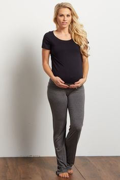 Charcoal Long Yoga Pant A solid maternity yoga pant. Fold over waistband. Stretches to accommodate your growing bump. This style was created to be worn before, during, and after pregnancy. Maternity Fashion, Maternity Yoga, Maternity Pajamas, Pregnancy Fashion, Maternity Outfits, Maternity Lounge Wear, Maternity Clothing, Stylish Maternity, Maternity Pictures