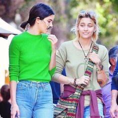 Bye, Hailey Baldwin! Kendall Jenner's New BFF Paris Jackson Actually Defends Her - http://oceanup.com/2017/03/31/bye-hailey-baldwin-kendall-jenners-new-bff-paris-jackson-actually-defends-her/