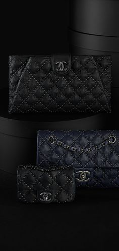 e26a9375f1 Studded lambskin flap bag - CHANEL Moda Chanel, Borse Alla Moda, Borse  Chanel,