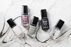 Londontown Nail Polish Lakur boasts a non-toxic 9 free formulation and I got to test them. Safe Nail Polish, Purple Nail Polish, Natural Nail Polish, Best Nail Polish, Purple Nails, Too Faced Lip Gloss, Lip Gloss Set, Pink Lip Gloss, Plum Lips