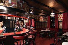 Million Dollar Decorator English Pub