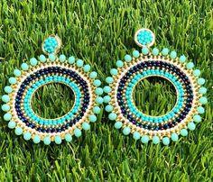 Amamos las combinaciones!! #madewithlove #DiGlam #jewelry #diglamaccesorios Amamos las combinaciones!! #madewithlove #DiGlam #jewelry #diglamaccesorios #bisuteriafina #bisuteria #fashion #handmade #diglampanama #aretespanama #moda #giftideas #earrings #panama #ojitos #miyuki #red #handmadejewelry #woman #trendy #fashionista #outfits #summer #pty #hechoamano #modafemenina #ilovediglam Ring Earrings, Beaded Earrings, Beaded Jewelry, Brick Stitch, Bead Weaving, Seed Beads, Jewerly, Projects To Try, Fashion Jewelry