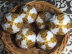 Melinda35 / vianočné patchworkové gule - starozlatá s bielou