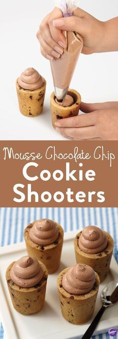 How to Make Mousse Chocolate Chip Cookie Shooters - Learn how to make these delicious cookies and mousse chocolate chip cookie shot glasses! Impress your guests with this delicious dessert or make the (Chocolate Chip Cupcakes) Mini Desserts, Just Desserts, Delicious Desserts, Yummy Food, Shot Glass Desserts, Vegan Desserts, How To Make Desserts, Fun Deserts To Make, Dessert Glasses