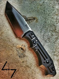 SOG Growl, designed
