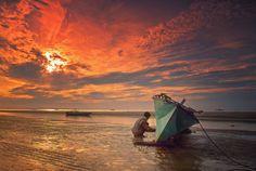Prepare The Boat by Suhari Minggu Ningsih Soekandar, via 500px