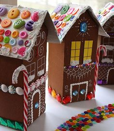 Christmas Crafts For Kids, Christmas Fun, Holiday Crafts, Whimsical Christmas, Holiday Decorations, Italian Christmas, Recycled Christmas Decorations, Christmas Mantles, Silver Christmas