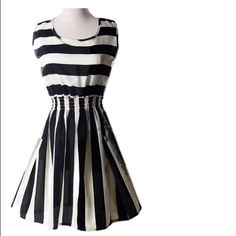 """⚽️Chiffon Dress⚽️ Black and White Chiffon Dress-RUNS SMALL‼️‼️ Length is 33"""" and Armpits Across is 16""""-Please know Your measurements before Purchasing this dress‼️‼️‼️ Tag says M but it's NOT true to size Dresses Mini"""