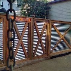 5 Appealing Clever Tips: Garden Fence Cost Modern Fence Material.Garden Fence Gate Diy Wooden Fence On Slope. Cheap Privacy Fence, Privacy Fence Designs, Backyard Privacy, Backyard Fences, Garden Fencing, Backyard Projects, Backyard Landscaping, Diy Fence, Cheap Fence Ideas