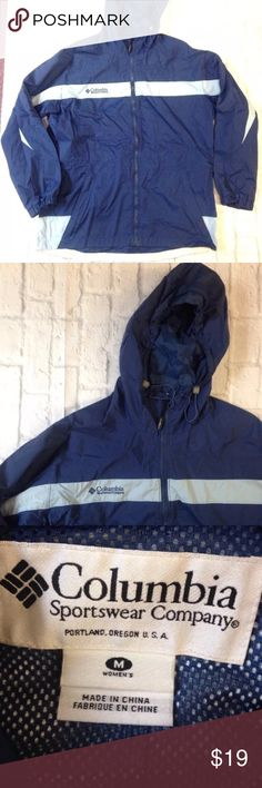 COLUMBIA HOODED WINDBREAKER JACKET blue stripe M NICE COLUMBIA SPORTSWEAR HOODED WINDBREAKER JACKET  WOMEN SIZE MEDIUM  ZIPPER FRONT CLOSURE HAND POCKETS GREAT USED CONDITION, NO FLAWS TO BE NOTED Columbia Jackets & Coats
