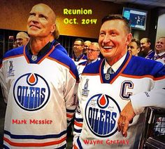 Mess and Gretz at the Anniversary celebration of the 1984 Stanley Cup, tonight in Edmonton. Mark Messier, Canada Hockey, Hockey World, Wayne Gretzky, Edmonton Oilers, Hockey Cards, National Hockey League, Detroit Red Wings, Hockey Players