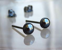 Black Post Earrings / Oxidized Stud Earrings / Black Earrings For Men / Black Onyx Earring Welcome :) and thank you so much for shopping with LarryJewelryShop The earrings comes with a clasps, as on photo. This listing is for 1 or 2 pice of sterling silver - 4mm Black Onyx gemstone - 18 - 20 - gauge stud earrings ¨¨°÷?÷°¨¨¨¨°÷?÷°¨¨¨¨°÷?÷°¨¨¨¨ Choose Gauge 18Gauge 1MM (thick) 20Gauge 0.8MM (standart) If youd like this item,please see this listing tu https://www.etsy...