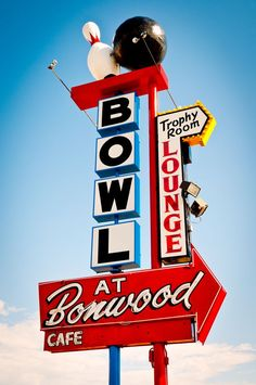 Bowling with Zeek Bowling, Advertising Signs, Vintage Advertisements, Roadside Signs, Roadside Attractions, Retro Signage, Old Signs, Old Neon Signs, Vintage Neon Signs
