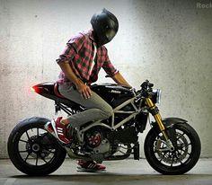 Ducati 1098 Cafe Racer  Otomobil ve Motorsiklet Fanatikleri sayfamıza bekliyoruz www.instagram.com/autoandmotorshow