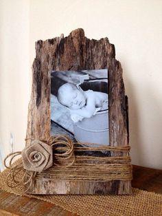 Porta retrato com casca de árvore.