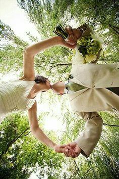Beautiful unique wedding photos for your very special day - Fotos hochzeit - Wedding Photography Poses, Wedding Poses, Wedding Photoshoot, Wedding Couples, Wedding Ceremony, Wedding Scene, Mehendi Photography, Photography Ideas, Church Wedding