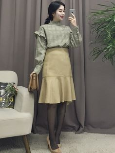 Korean Fashion Trends you can Steal – Designer Fashion Tips Korean Blouse, Korean Fashion Dress, Korean Street Fashion, Korea Fashion, Korean Outfits, Asian Fashion, Girl Fashion, Fashion Outfits, Fashion Tips
