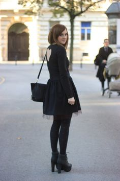 #fashion #blog #style #styleblogger #streetstyle #style #moda #inspirational #outfit #ootd #me #details #heart #dress #black #girl