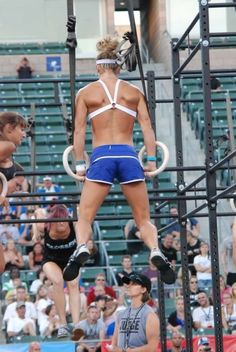 Muscle Up!! crossfit chicks are beastly! muscle ups are on my goal list, along with climbing that damn rope. Way to go, Mary!!