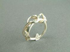 WSammutDesign #etsy #rings Silver Vine Ring w/ Leaf $125.00