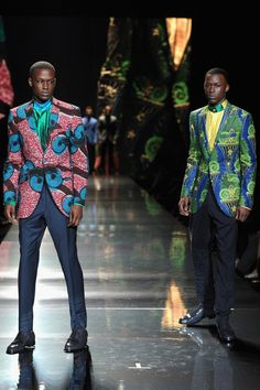 Ozwald Boateng Gives Strong Finale at ARISE African Icons Spring 2013 Runway Show.