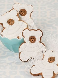 Adorable snow bear gingebread cookies by Ann Skipp