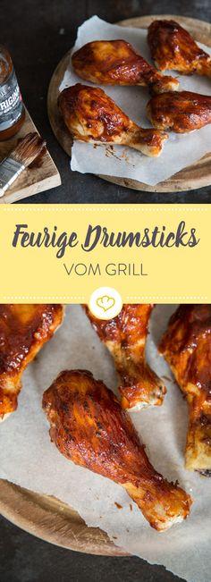 Unglaublich saftige Hähnchen-Drumsticks mit einer fantastischen Chipotle-Honig-Marinade. Probier sie gleich bei deiner nächsten Grill-Session aus.