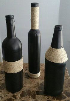 Wine Bottle Vases, Diy Bottle, Wine Bottle Crafts, Bottle Art, Glass Bottles, Diy Home Crafts, Jar Crafts, Chalkboard Wine Bottles, Wedding Top Table