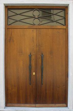 Shona Nunan's figurative sculptured door handles