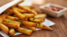 Read about The Best Frozen French Fries for an Easy Dinner Time! Meat Recipes, Appetizer Recipes, Vegetarian Recipes, Dessert Recipes, Comfort Foods, Oeuf Bacon, Frozen Appetizers, Good Food, Yummy Food