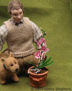 http://miniatures.about.com/od/makeminiatureplants/ss/Make-Dollhouse-Miniature-Phalaenopsis-Orchids.htm