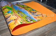 Детский коврик для пляжа с рисунком (200х120 см, толщина 8 мм). Развивающий коврик для детей изготовлен из пенополиэтилена, ламинированная поверхность с ярким цветным изображением. Коврик обеспечит комфорт для ребенка во время игры в детской комнате: не пропускает холод и тепло, не впитывает влагу, легкий, мягкий, эластичный и экологически безопасный. Коврик не содержит вредных веществ. На таком коврике маленькие детки смогут учиться переворачиваться, ползать, ходить.