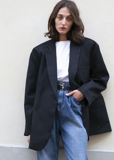 Black Oversized Boyfriend's Blazer – The Frankie Shop Best Picture For Blazer Outfit with dress For Your Taste You are looking for something, and it is going to tell you exactly what you are looking f Oversize Look, Oversized Blazer, Mode Outfits, Fashion Outfits, Jackets Fashion, Girly Outfits, Simple Outfits, Womens Fashion, Dress Outfits