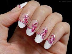 Ida-Marian kynnet / French manicure with pink details / #Nails #Nailart