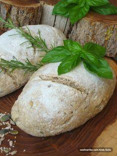 Integralni kruh s kiselim tijestom, sa začinskim biljem i sjemenkama — Coolinarika