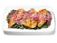 This Four-Step Lemon-Onion Chicken from Melissa d'Arabian is simple to prepare and packs in a ton of protein.