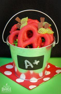 Back to School Pretzel Apples  |  {Make Bake Celebrate}