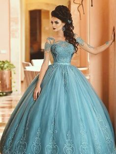 Read information on ball gown quinceanera dresses -> Let friends determine you're needing the most up-to-date trends. This is an excellent method to get free fashion. Ball Gown Dresses, 15 Dresses, Pretty Dresses, Beautiful Dresses, Fashion Dresses, Pageant Dresses, Short Prom Dresses Uk, Short Lace Dress, Quince Dresses