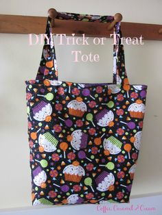 Coffee, Caramel & Cream: Trick or Treat Tote Bag Tutorial Easy Sewing Patterns, Bag Patterns To Sew, Tote Pattern, Sewing Tutorials, Sewing Ideas, Bag Tutorials, Wallet Pattern, Halloween Trick Or Treat, Halloween Diy