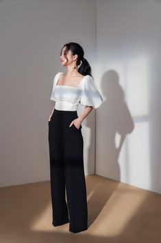 Square Neck balloon sleeve Top in White | ELPIS Crop Top Outfits, Cute Casual Outfits, Simple Outfits, Pretty Outfits, Stylish Outfits, Korean Girl Fashion, Korean Street Fashion, Ulzzang Fashion, Look Fashion