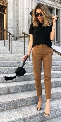 Cute date night or casual work office outfit. Cute women's fashion chic fall* winter* spring* summer casual street style outfit inspiration ideas. 75 Fall Outfits to Try This Year. Street Style Outfits, Casual Chic Outfits, Street Style Trends, Casual Street Style, Mode Outfits, Work Casual, Dress Casual, Heels Outfits, Formal Dress